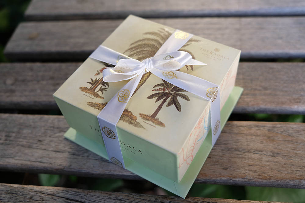 0.5lbThe Kahala Macadamia Nuts Chocolate Hawaii Wedding Favors